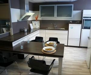 Moderne-Familienküche